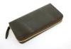 堅牢さと美しい光沢が特徴のブライドルレザーを使用したラウンドファスナー長財布(牛革)