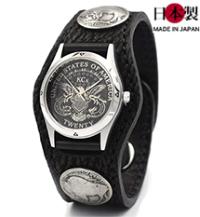 水に強く強度もある3コンチョ革腕時計シャーク(サメ革)