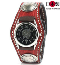 武骨な表情のクロコダイル3コンチョ革腕時計(ワニ革)
